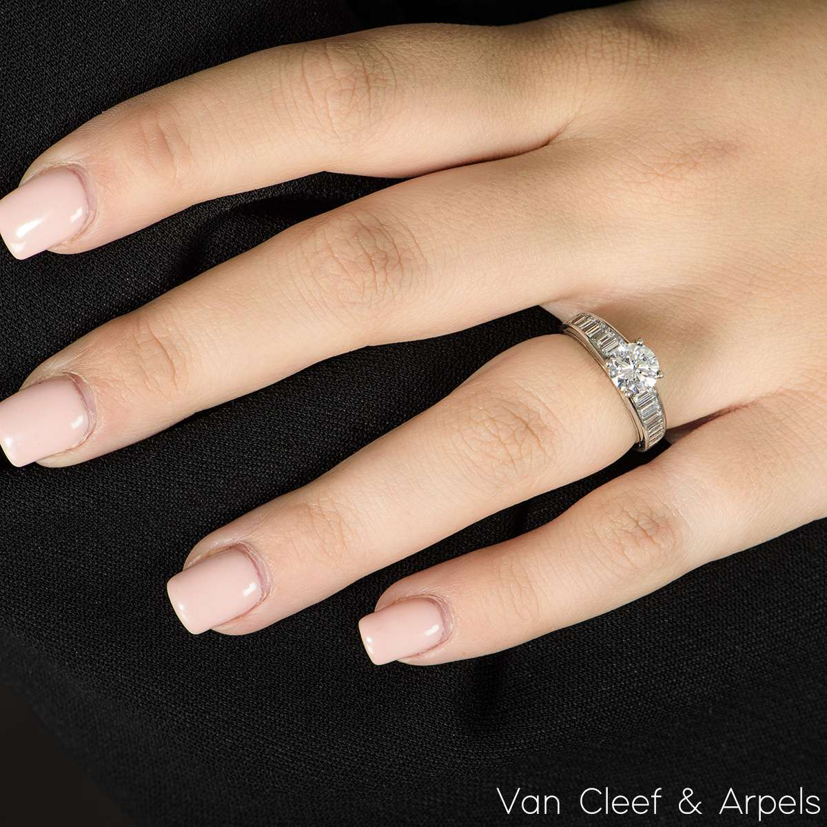 Van Cleef & Arpels Round Brilliant Cut Diamond Ring in Platinum 1.03ct